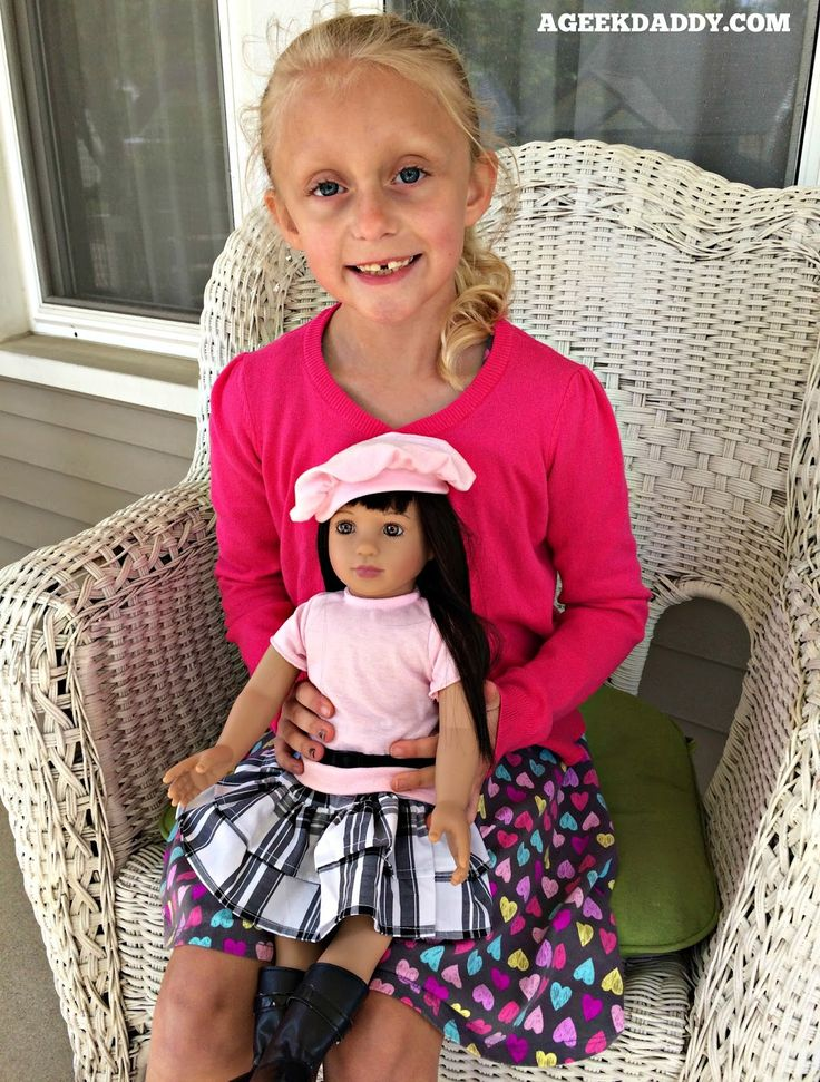 My daughter has a new friend to add to her toy collection with Shining Star from STARPATH DOLLS.  There are four multi-ethnic 18-inch dolls to choose from among the Starpath Dolls that each have their own unique style and a personality designed to be relatable to girls in the age range of 5 to 9 years old.  Crafted by renowned porcelain doll designer Linda Mason these dolls are made not only to look good but also to play with.