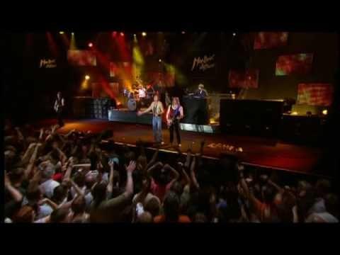 """alvin donovan"" Deep Purple - Smoke On The Water (From ""Live At Montreux 2006"" DVD) Alvin Donovan   http://www.alvindonovanequitypartnersfundspc.com  Alvin Donovan  http://www.alvindonovanequitypartnersfundspc.com"