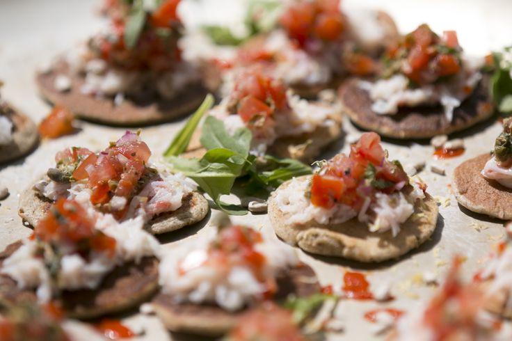 Bouchées cocktail ! Événement spécial sur le AML Cavalier Maxim // Cocktail appetizers. Special event on the AML Cavalier Maxim.