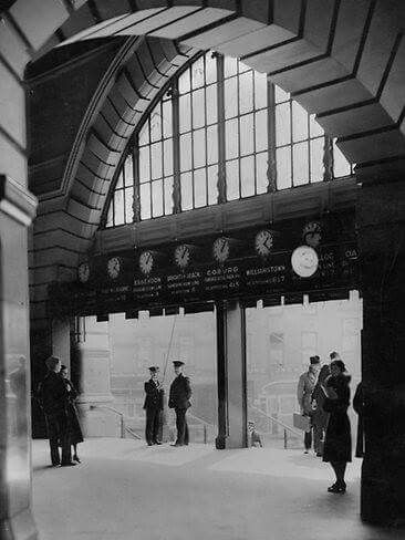 Flinders Street Railway Station in Victoria in 1932.