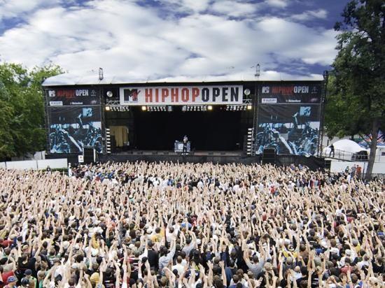 Eine andere beliebte Großveranstaltung in Stuttgart sind die HipHop Open. Aber natürlich finden in Stuttgart auch zahlreiche Konzerte für Fans des Rocks, des Jazz oder der Klassik statt. Foto: Pierre Polak / 0711Entertainment GmbH