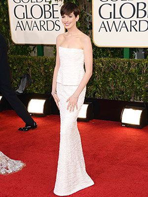 Anne Hathaway wowed in this sparkly Chanel. #GoldenGlobes