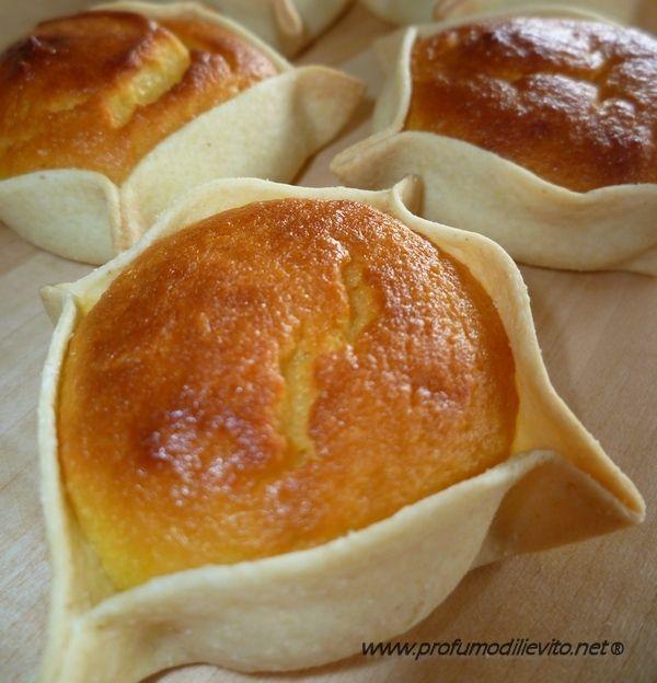 PARDULE - Dolci Sardi Ricetta di Giuseppina Curcu Ciao a tutti, quella che vi presento oggi è la ricetta di un dolce tipico della Sardegna, le Pardule. Ne esistono di diverse versioni, ricotta o fo...