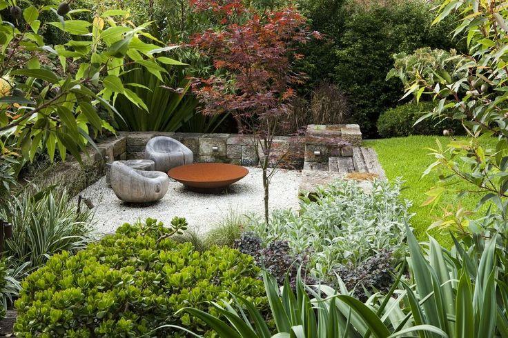 Peter Fudge garden design, Australia. Great chairs, sunken patio, planting plan.