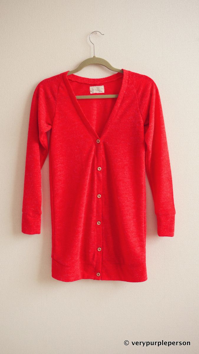 Red is such a hard color to photograph! I just finished this red cardigan yesterday. The knit fabric is indeed wonderful. It is a bit transparent but surprisingly warm with fuzzy surface and tiny h...