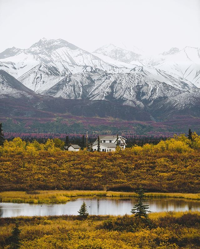 This is where I want to retire, in the middle of nowhere #Alaska.