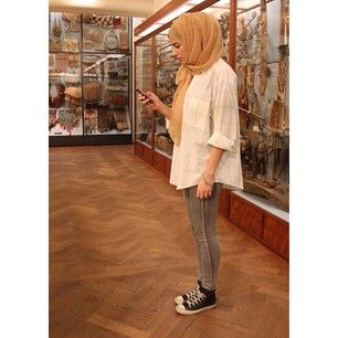 ZIZI @ziziosashion Instagram photos | Casual Hijab Fashion