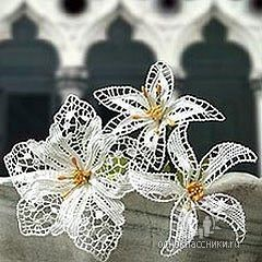 Inspiration only, but look... So beautifu crochet (?) Lily
