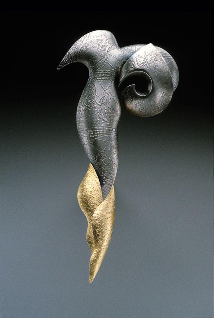 Linda Threadgill. Ring: Black Lace Pin, 1995. 22k gold, sterling silver. 6.4 x 1.3 x 12.7 cm. Photo by: James Threadgill.