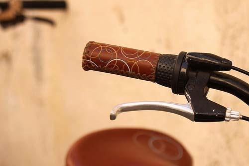 Handlebar grips   Crafting a green world (bike craft)