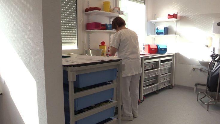 Medizinisches Personal im Behandlungsraum Stock Footage #AD, # Behandlung # Personal # Medizi…