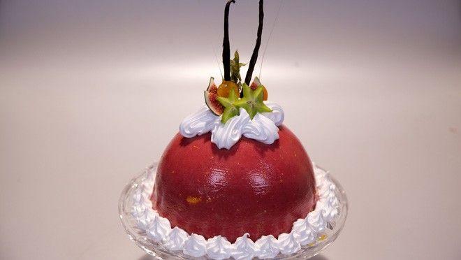Rudolph's Bakery   e staafmixer. Los de gelatine op met aanhangend water en roer door de abrikozenpuree. Giet de abrikozencompote in de flexibele bombevormen en vries circa 1...