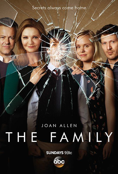 Joan Allen, Rupert Graves, Liam James, Alison Pill and Zach Gilford in The Family (2016)