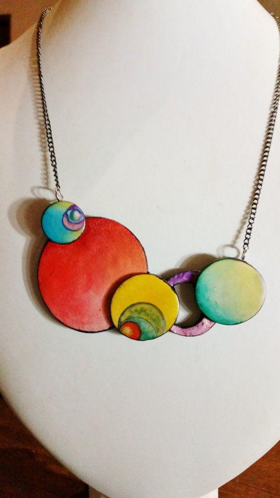 """Collar de arcilla, """"nube surrealista"""", polímero, único, hecho a mano, pintado a mano, diseño original"""
