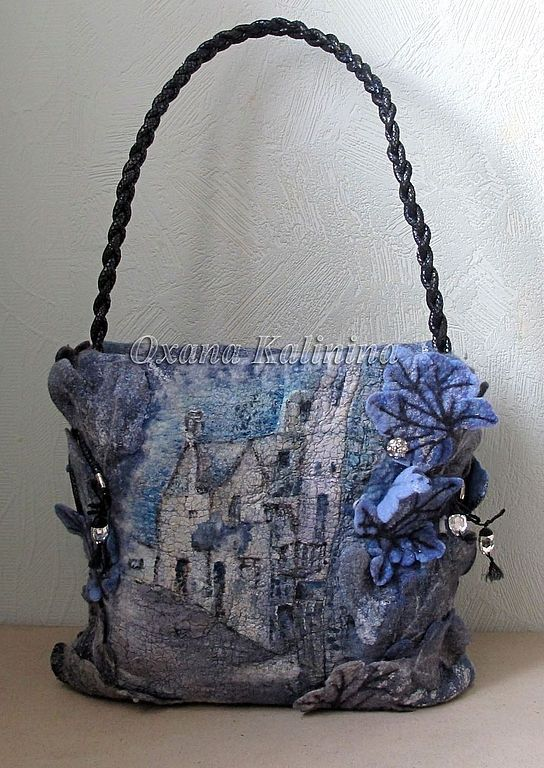 Beautiful felted picture bag: