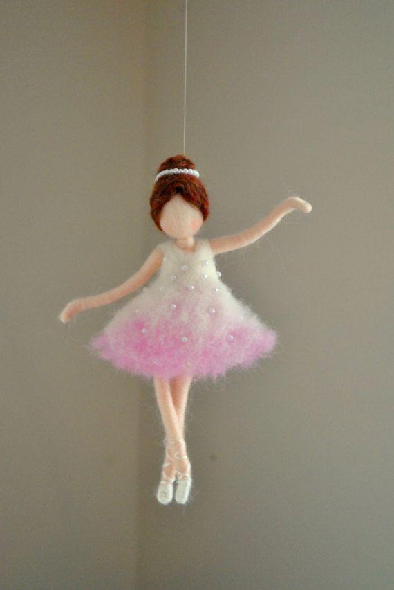 Ballerina Ornament Nadel gefilzt Wolle Ornament: Ballerina in rosa