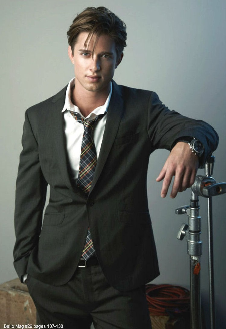 drew van acker aka jason dilaurentis. His hair is just a little too long for me!! But he's hot!!