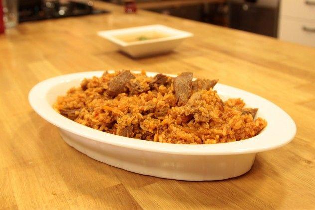 Adından da anlaşılacağı üzere yöresel bir pilav olan Özbek pilavı yapımı aslında çok kolay olan ve tat olarak da asla unutamayacağınız bir pilav türüdür.