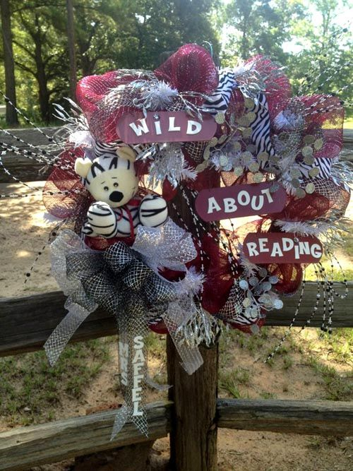 Wild About Reading - Back to School Wreath created by Patti's Kreations (facebook page)