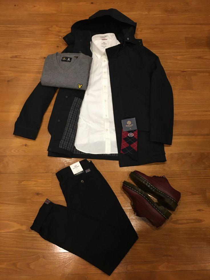 "Blog #RivendelMadrid ""British Outfit @benshermanofficial "" #bensherman #cazadora #jacket #lyleandacott #jersey #jumper #bensherman camisa #shirt #pantalones #chinos #drmartens #zapatillas #footwear #henrilloyd #calcetines #socks #fredperry #guardarropa #wardrobe #madrid #fredperrymadrid http://www.rivendelmadrid.es/blog/"
