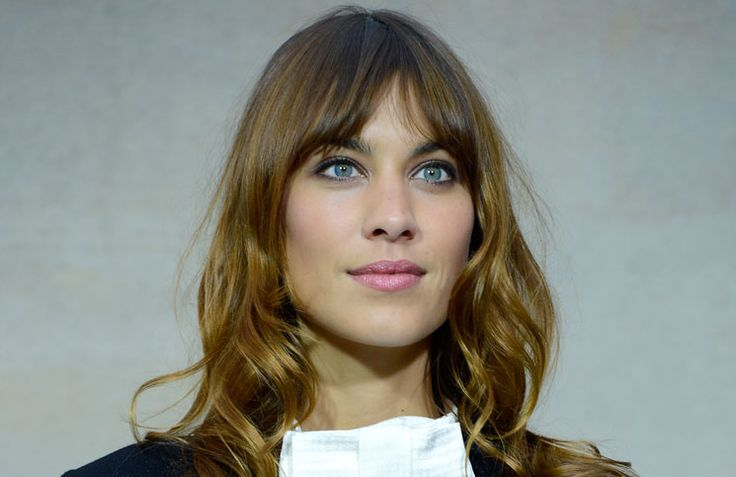 Alexa Chung   Pink lipstick   Must-have beauty products