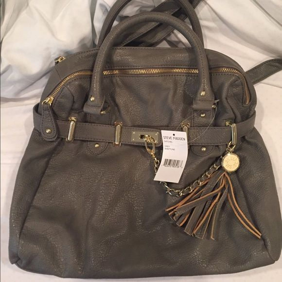 Steve Madden Grey Leather Purse Large, grey leather Steve Madden purse. New with tags, never been used. Steve Madden Bags
