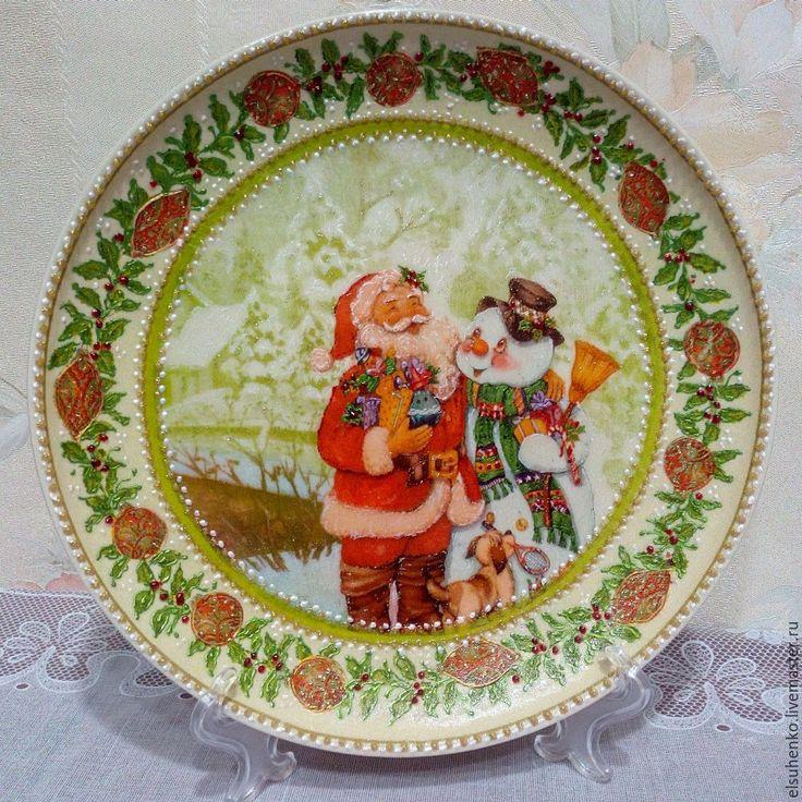 Купить или заказать Тарелка 'Дед Мороз и снеговик' в интернет-магазине на Ярмарке Мастеров.