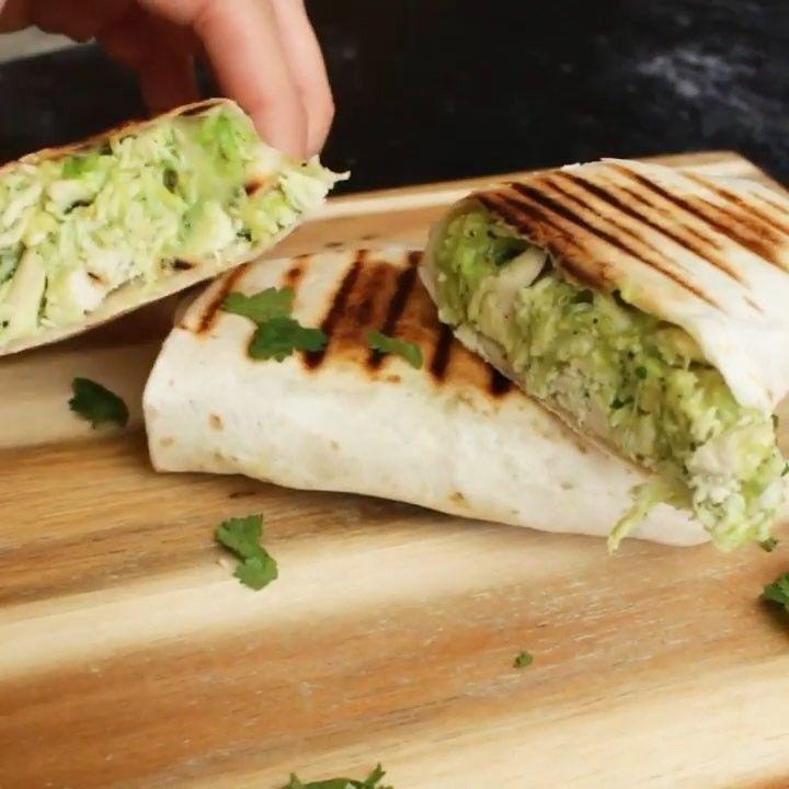 708 vind-ik-leuks, 185 reacties - A PLAN FOR EVERY BODY (@personalbodyplan) op Instagram: 'Een wrappie om het jaar smakelijk mee te beginnen: de Kip Avocado Wrap. Dit recept is voor vier…'