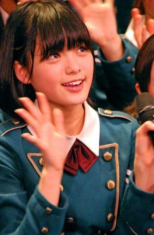 欅坂46が全国握手会デビュー「足がガクガク」 |欅坂46の画像・写真をはじめとしてプロフィール・動画・ニュース・ランキング・TV出演情報・CM出演情報・歌詞まで、オリコン芸能人事典では欅坂46に関するあらゆる情報がチェックできます。