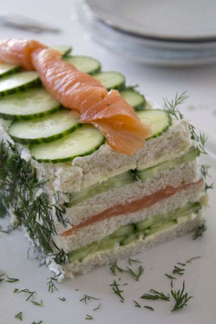 Bread'cake' with salmon and cucumber (Dutch recipe)