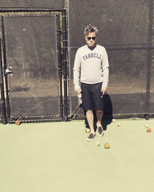 "2,703 Me gusta, 110 comentarios - Ayda Field Williams (@aydafieldwilliams) en Instagram: ""@robbiewilliams Kick-starting the weekend #saturday #instaboy #bedhead #farrell #ballsohard"""