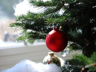 Christmas Wallpapers Free Download: Christmas Tree Desktop Cute Wallpaper