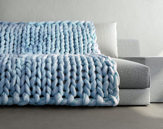 Ohhio -  Grande punto. Large blanket. Extra soft and extra warm 100% merino wool. Very pleasant for touch. Light and hypoallergenic.