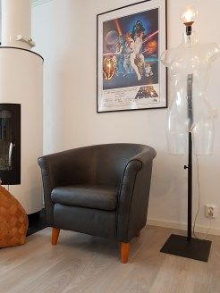 Chalkpainted chair. Kalkkimaalilla maalattu tuoli. Annie Sloan kalkkimaali. https://moniajoa.wordpress.com/2017/01/17/diy-projekti-nojatuolin-maalaus-kalkkimaalilla/