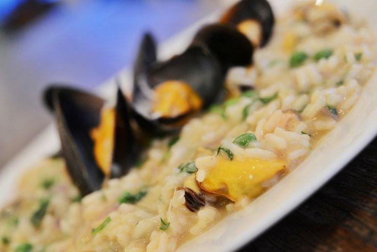 Klassisk risotto med blåskjell, erter og parmesan fra matbloggen larsspiser.no #oppskrift