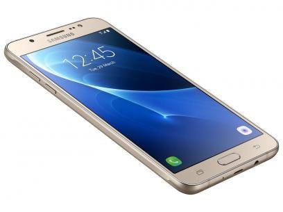 """Smartphone Samsung Galaxy J5 Metal 16GB Dourado - Dual Chip 4G Câm 13MP + Selfie 5MP Flash Tela 5.2"""" com as melhores condições você encontra no Magazine Moviles. Confira!"""