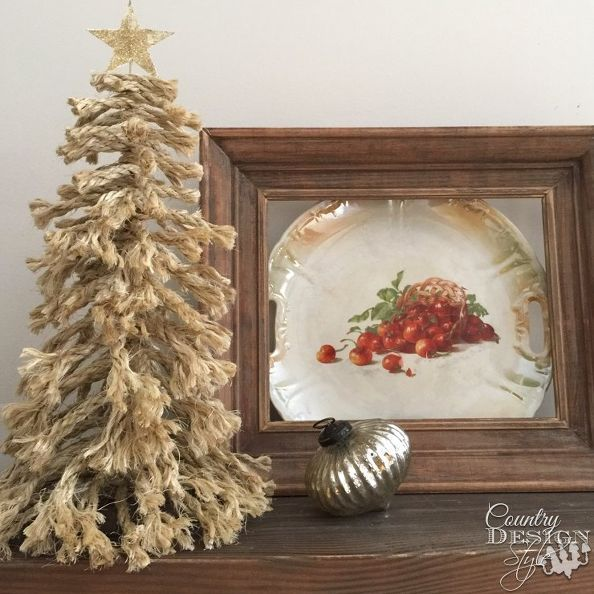 DIY Christmas tree easily made from bits and pieces of rope