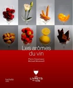와인의 향기 | 160 페이지 | 와인의 향기는 어떻게 만들어지는 것일까? 포도가 자란 지역의 흙, 기후등 여러 조건에따라 바닐라, 체리등의 향기를 갖게 된다. 이 채을 읽으면 음미하는 와인의 향기의 기원을 알게 된다.