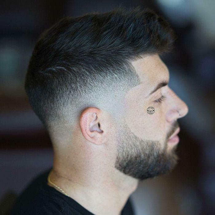 cortes de pelo corto, nuevas tendencias 2018, barba y pelo unidos, corte desvanecido, pelo negro liso