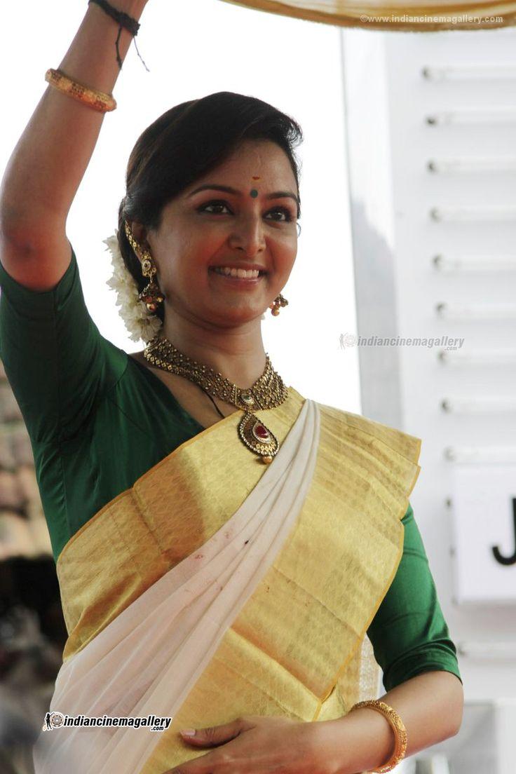 Jyothika traditional sari at shobi wedding saree blouse patterns - Manju Warrier Manju Warrier Photos Manju Warrier Stills