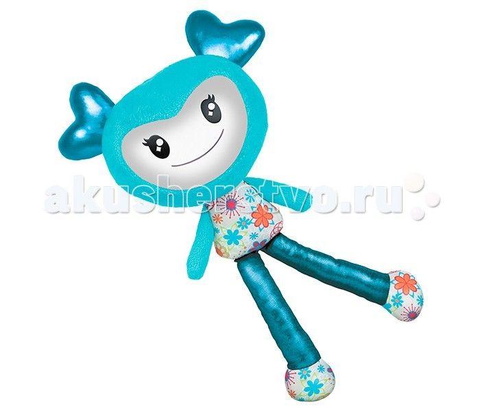 Интерактивная игрушка Spin Master Кукла Brightlings  Spin Master Интерактивная музыкальная Кукла Brightlings  Она игрива, весела и дружелюбна, мила и вежлива, современна, изысканна, модна!  Кукла Брайтлингс имеет несколько режимов работы: Игра Повторение Музыка.  В режиме игры кукла произносит разнообразные фразы, если нажать ей на живот или ухо. Brightlings знает более 150 фраз! Произносит она их реагируя на внешние воздействия. Например, если ее перевернуть вверх тормашками, она закричит…