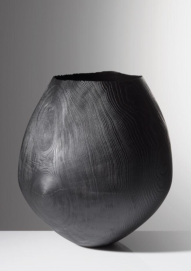 Friedemann Bühler – Simple but Flowing Wooden Vessels. Read article on Friedemann Bühler at OEN blog - http://the189.com/woodwork/friedemann-buhler-simple-but-flowing-woodturned-vessels #craft #woodwork #handmade #sculpture #art #artist