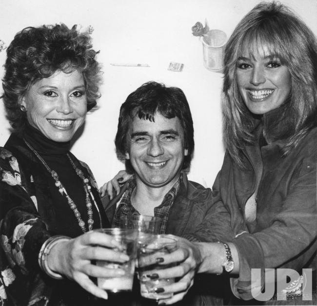 Mary Tyler Moore, Dudley Moore, Susan Anton