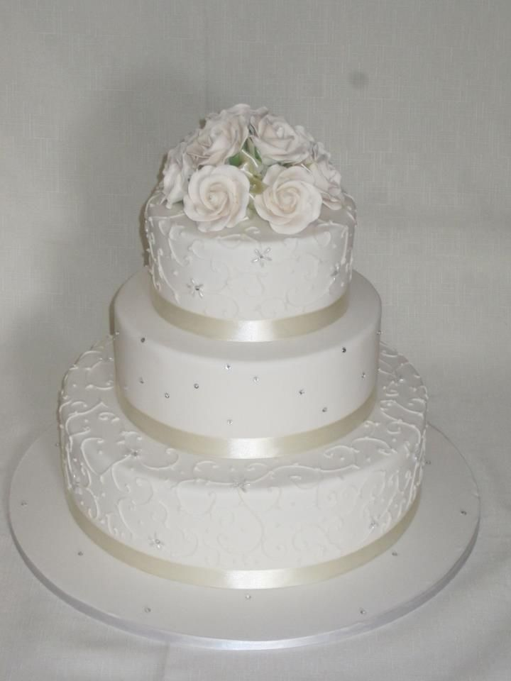 3 Tier mud cake in Ivory