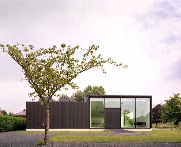 LINQ Office/House in Sint Denijs Westrem, Belgium by Nu Architectuur