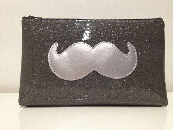 Trousse vinyle Moustache par Jomunini sur Etsy