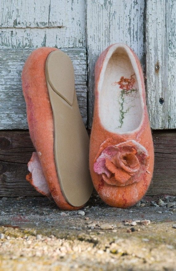 Felted Slippers with Rose Brooch---------these are just to beautiful,I'd wear them as shoes