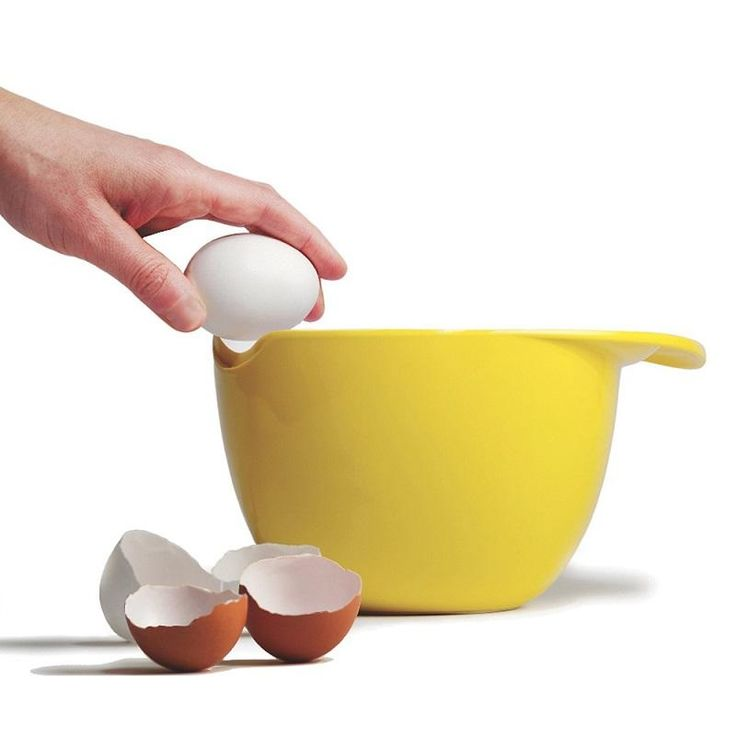 Crack Pot is the perfect bowl for cracking and beating eggs with a fine edge cutaway for easy cracking and high walls for spill free beating.