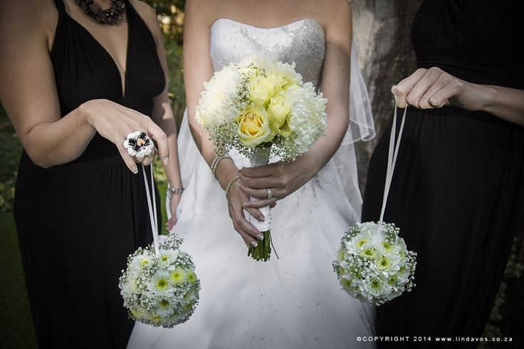 Soft yellow and white bouquets. www.lindavos.co.za