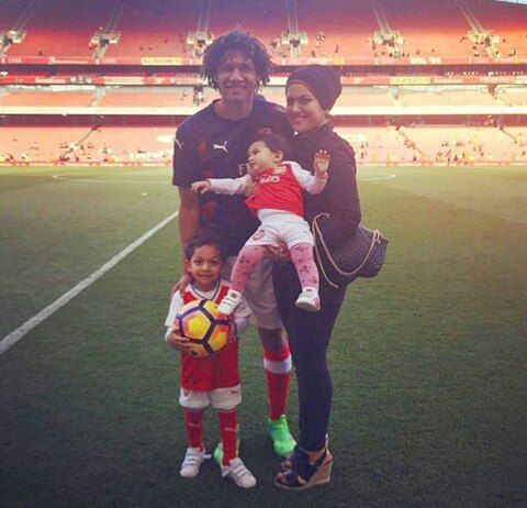 Mohamed Elneny #familytime  #Arsenal #WeAreTheArsenal  #COYG  #PremierLeague >>May 21, 2017